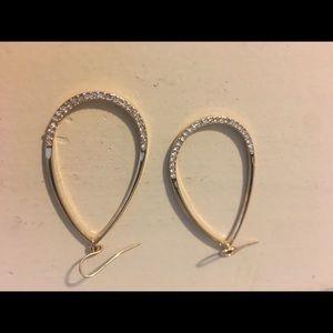 Jewelry - Gold premier designs earrings